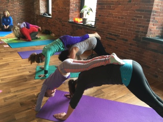 Mom And Daughter Yoga Retreats Workshops Childlight Yoga