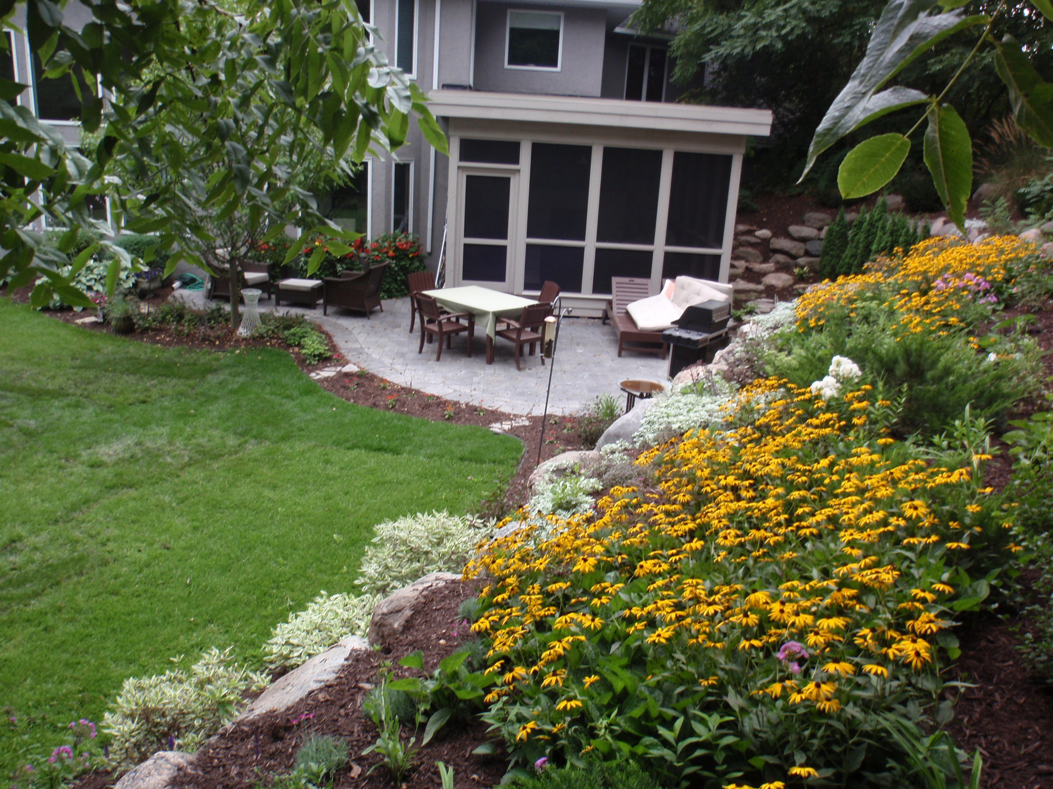 professionally landscaped yard in Minnesota